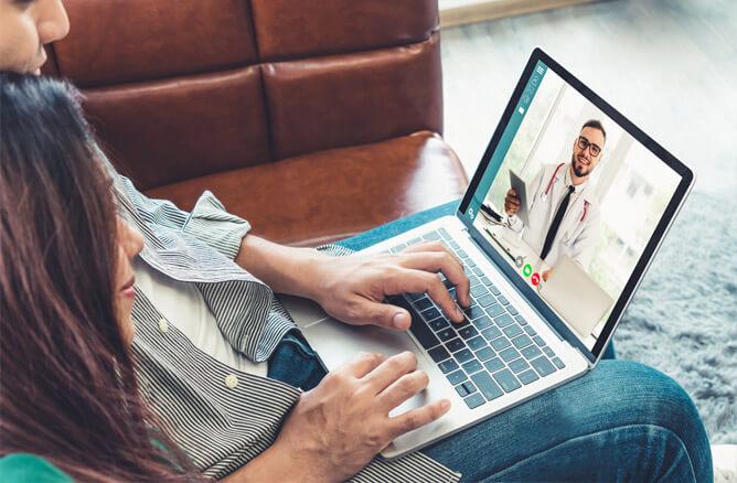 Con Salesforce CRM puede enviarle consejos a sus pacientes y darles seguimiento.